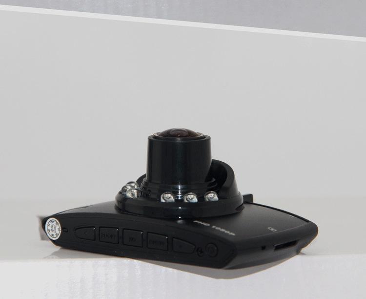 Выпуклая линза китайского видеорегистратора Blackview G30