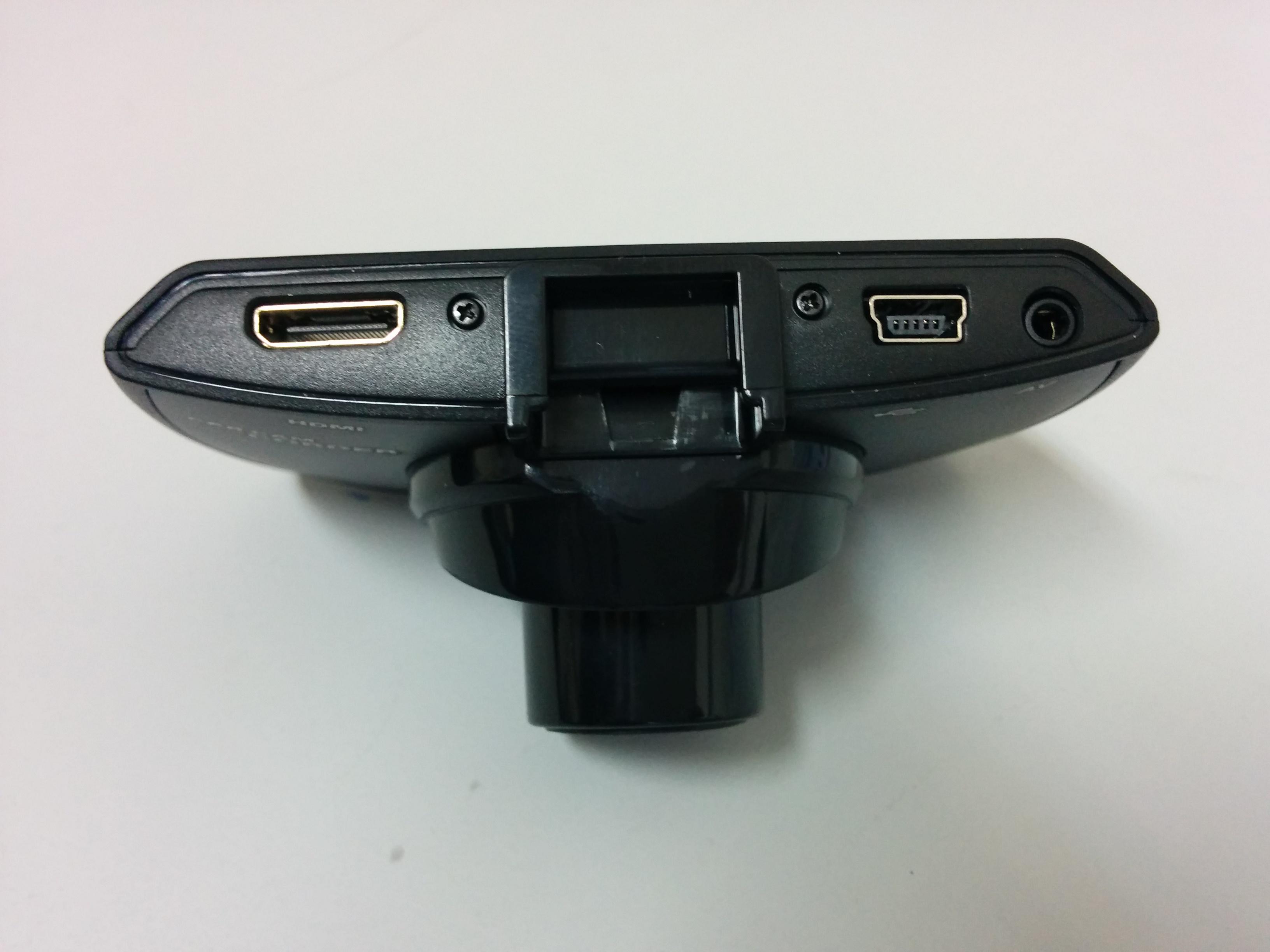 Видеорегистратор Blackview G30 - разъёмы для подключения кабеля USB и HDMI