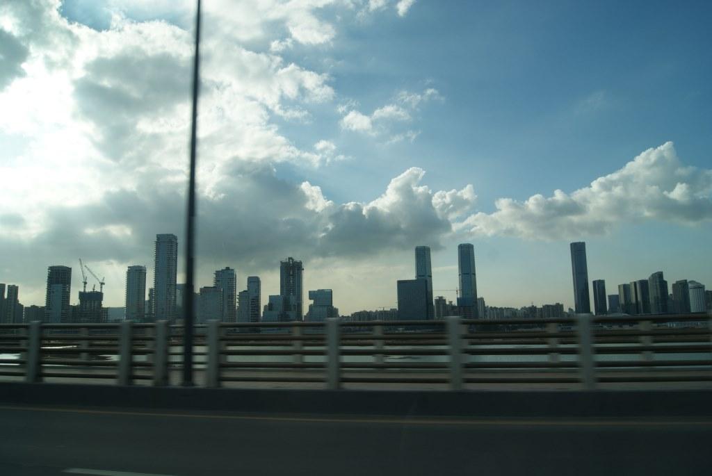Красота города рядом с заливом Шэньчжэнь