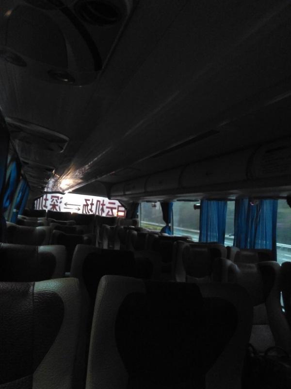 Практически пустой автобус из Шэнчжэня в Гуанчжоу